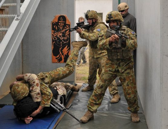 Paul Cale teaching 'ground domination' tactics to Australian Infantry soldiers